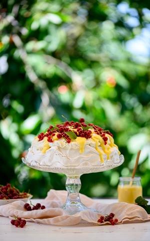 Beza Cytrynowe Słoneczko Kremem i Owocami
