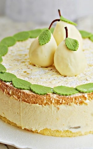 Tort gruszkowy z kremem waniliowym