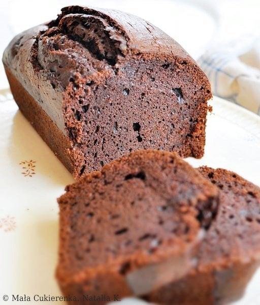 Wegańskie ciasto czekoladowe z dżemem