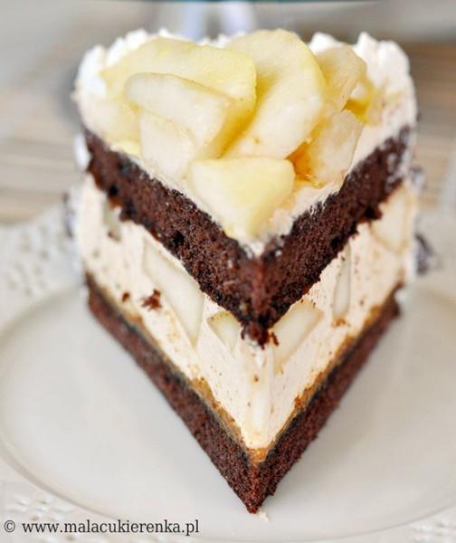 Tort kajmakowy z gruszkami