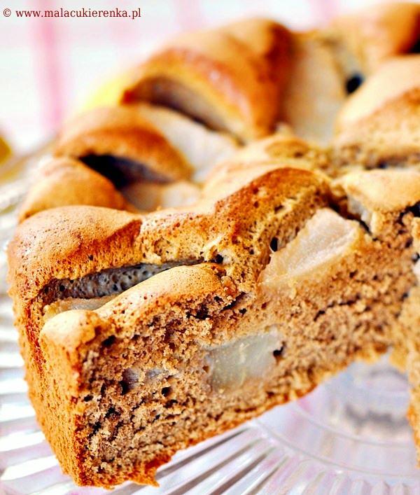 Ciasto z gruszkami i cappuccino