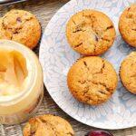 Imbirowe muffiny ze śliwkami i miodem