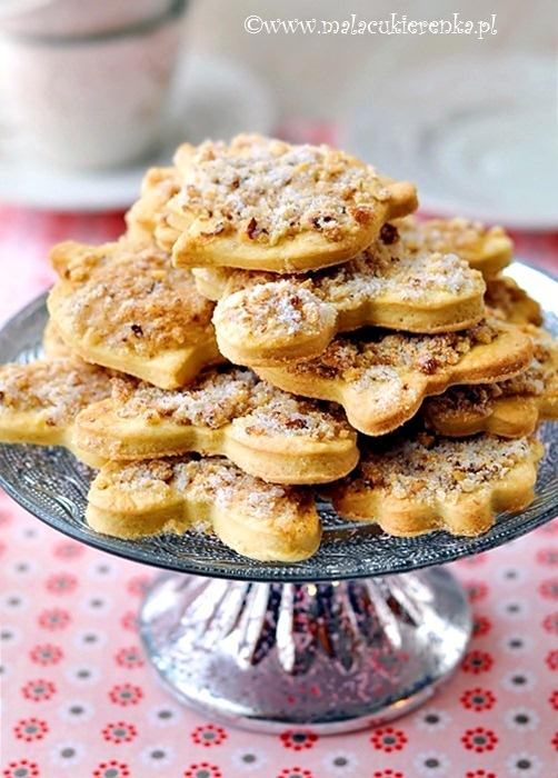 Kruche ciasteczka z orzechami Babci Janci