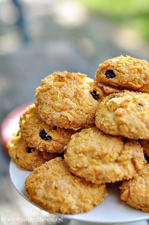 Chrupiące ciasteczka z płatkami kukurydzianymi i kokosem