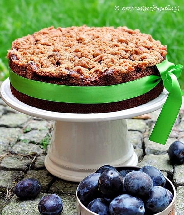 Kakaowe ciasto ze śliwkami i kruszonką