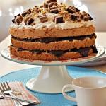 Łatwy tort z czekoladą i wafelkami