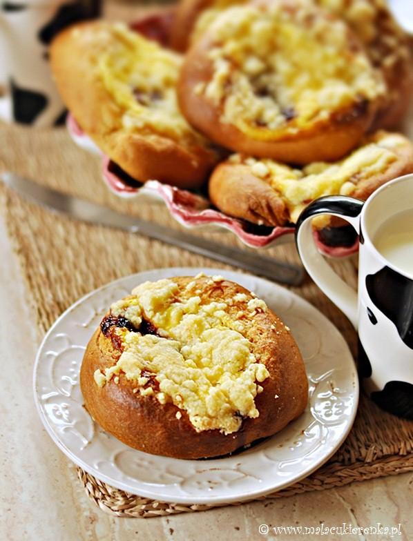 Bułeczki z serem i kruszonką
