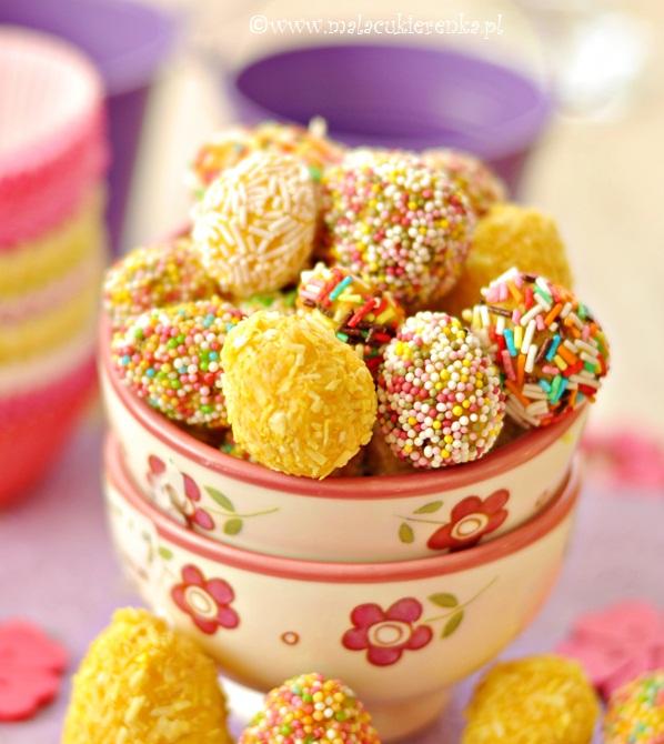 Kolorowe czekoladki z białej czekolady