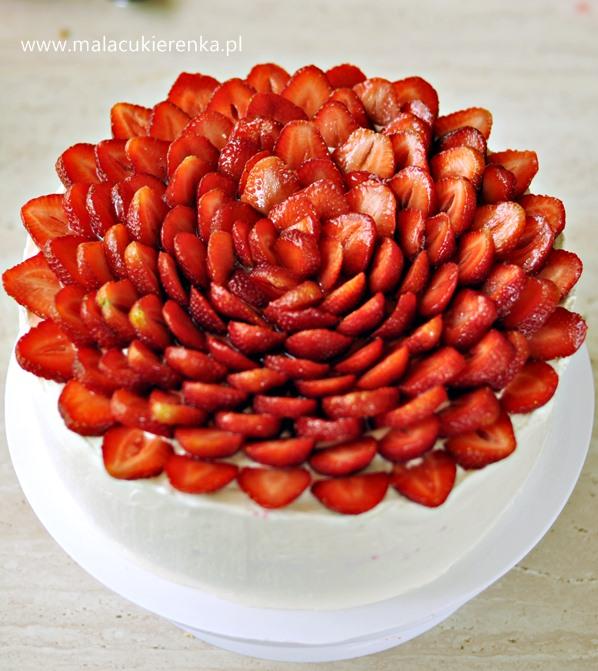 tort truskawkowy1