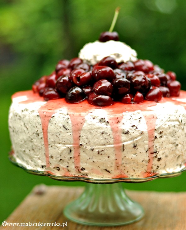 Tort z czereśniami i czekoladą
