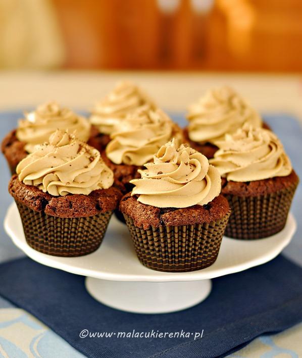 babeczki czekoladowe z kremem kawowym