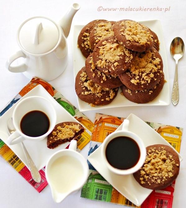 czekoladowe ciasteczka z kruszonka