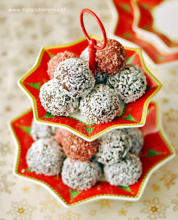 kuleczki ciasteczkowe z kokosem2