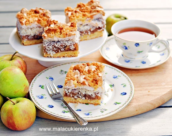 jablecznik z kokosem i beza
