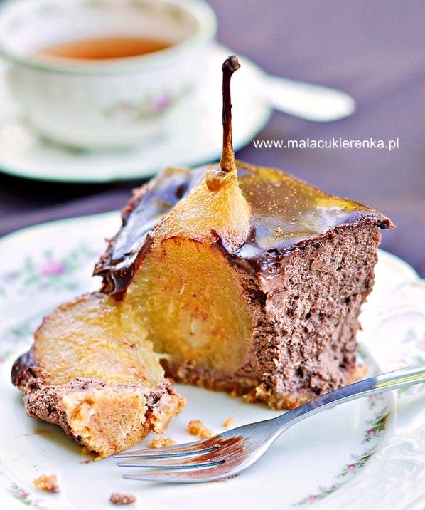 sernik-czekoladowy-z-gruszkami3