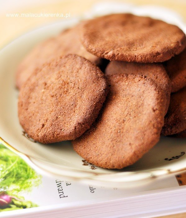 Ciastka czekoladowo – orzechowe z nasionami chia