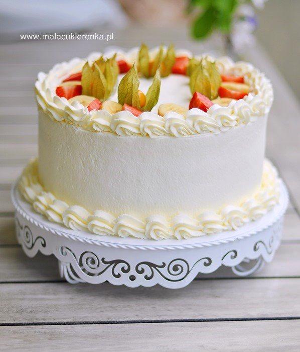 Tort truskawkowo – bananowy z kremem jogurtowym