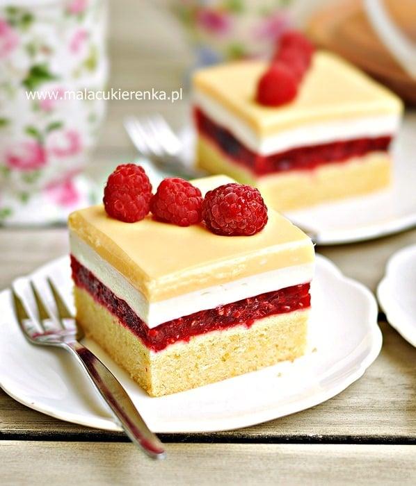 Ciasto malinowe z polewą adwokatową