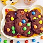 Czekoladowe ciastka z M&M's