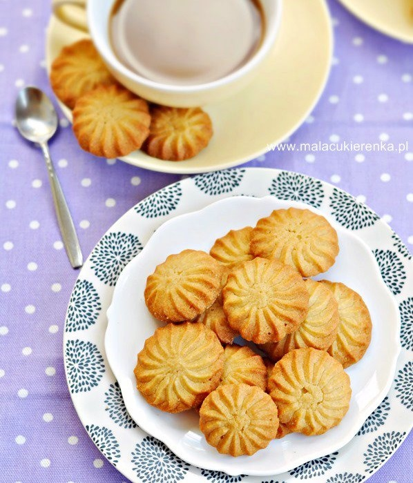 Ciasteczka ze szprycy z syropem klonowym