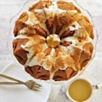 Ciasto marchewkowo – kokosowe z orzechami i polewą