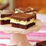 Ciasto z kremem i polewą czekoladowo – wiśniową