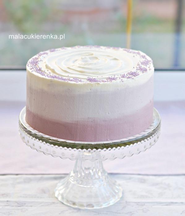 Śmietanowy tort makowy z kremem kawowym