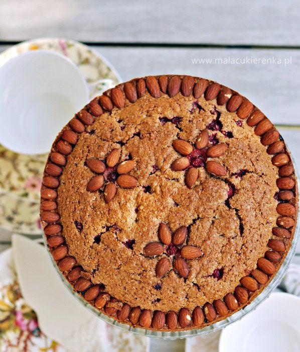 Ciasto z porzeczkami i mąką pełnoziarnistą