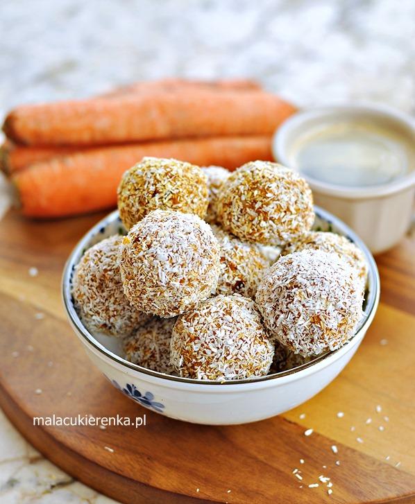 Energetyczne kuleczki z marchewką wegańskie, bez cukru, fit