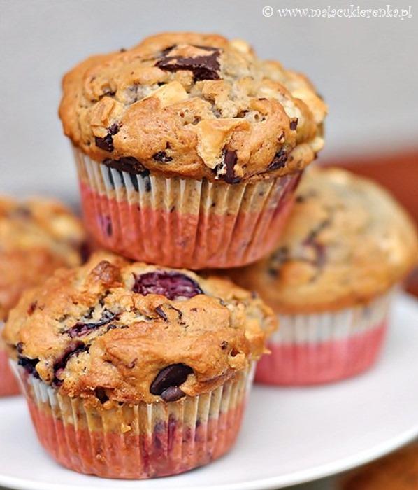 Muffiny z wiśniami i czekoladą