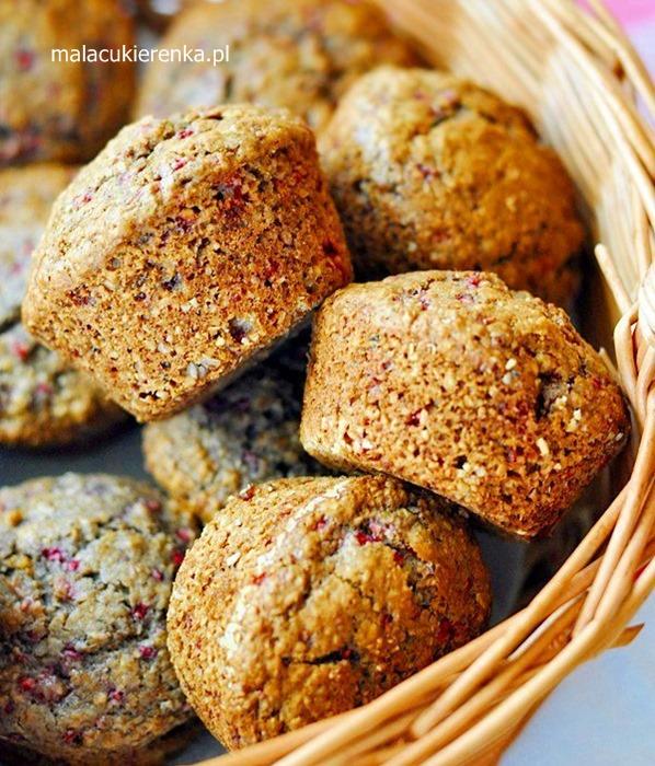 Owsiane muffiny z malinami