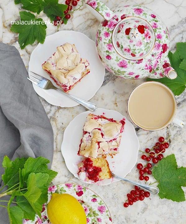 Wyśmienite ciasto z porzeczkami i bezą