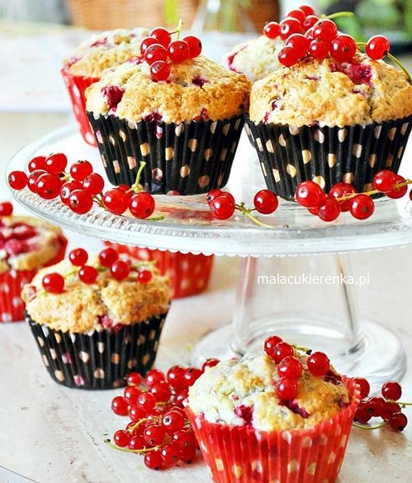 Migdałowe muffinki z porzeczkami