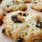 Szybkie ciasteczka cynamonowe z rodzynkami
