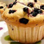 Muffinki z jagodami i maślanką