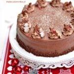 Tort Orzechowy z Czekoladowym Kremem