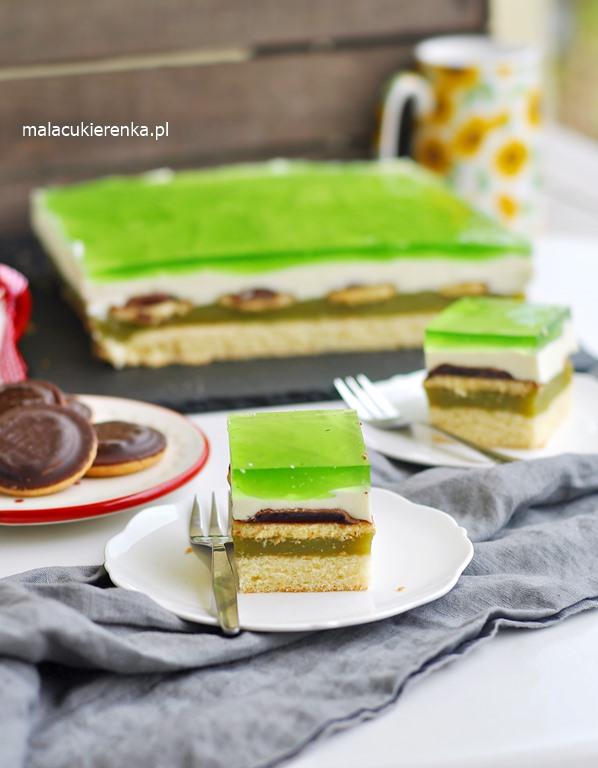 Ciasto Shrek z delicjami i sokiem owocowym