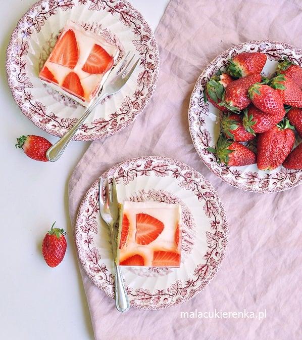 """Ciasto """"Słodka Cytrynka"""" z Truskawkami Bez Pieczenia"""