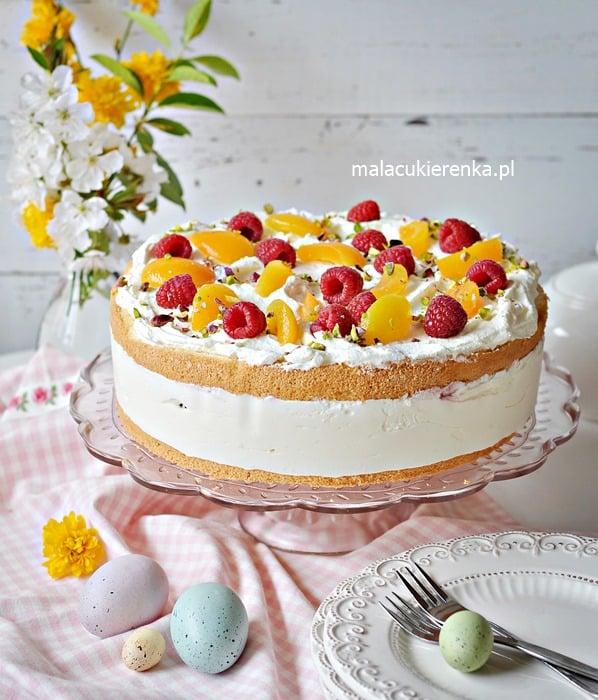 Pyszny Tort Jogurtowy z Malinami i Morelami