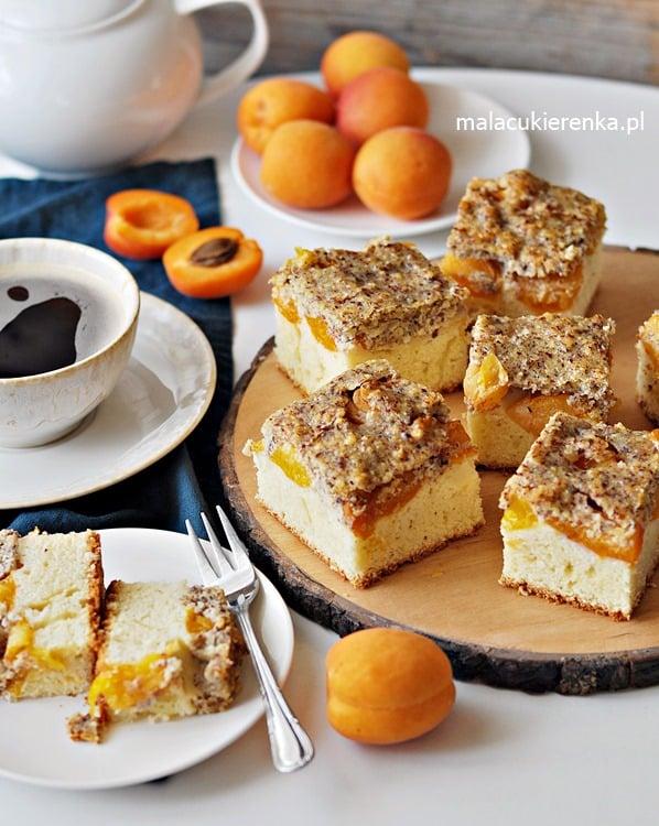 Ciasto z Morelami i Polewą Orzechową