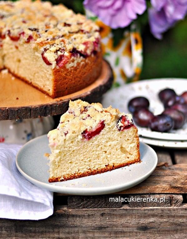 Ciasto Drożdżowe Bez Wyrabiania ze Śliwkami i Kruszonką