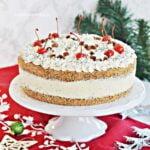 Tort Makowy z Wiśniami