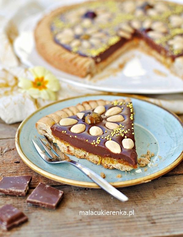 Wielkanocny mazurek z czekoladą i orzechami
