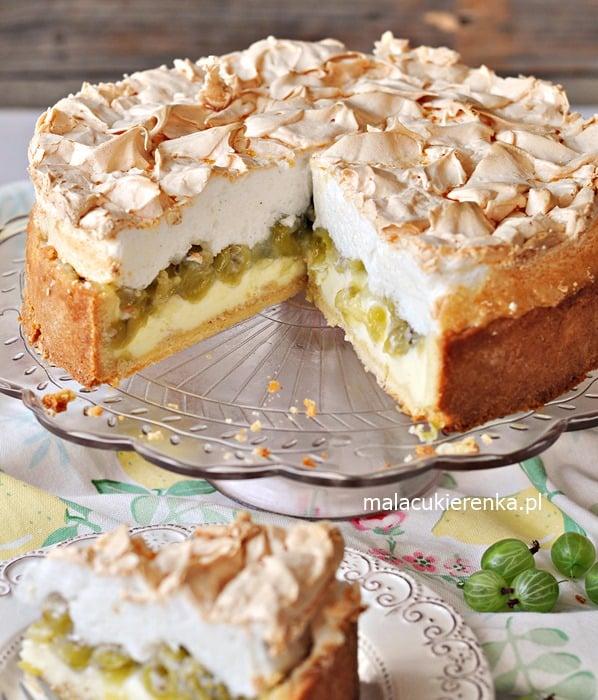 Budyniowe ciasto z agrestem i bezą