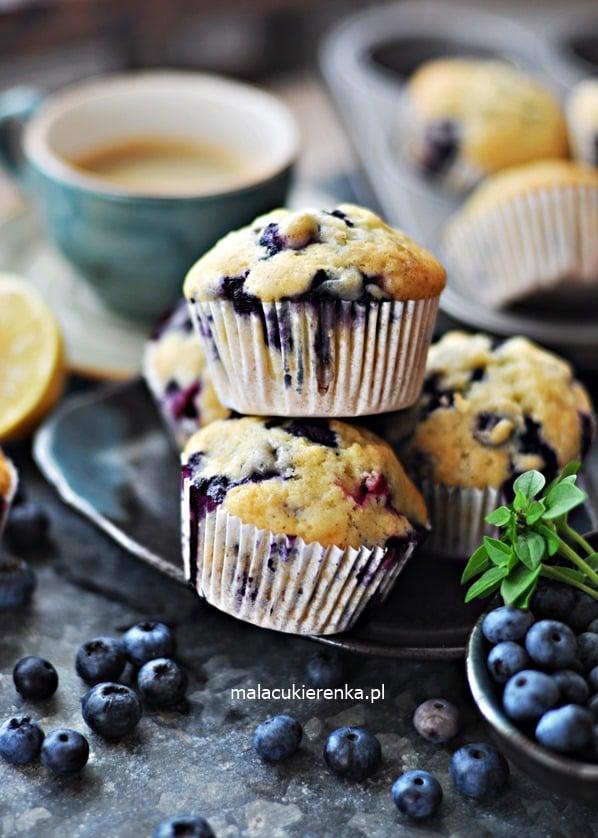 Puszyste ŁATWE Babeczki z BORÓWKAMI – Muffiny