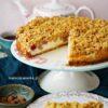 Łatwe serowe ciasto z rabarbarem i kruszonką