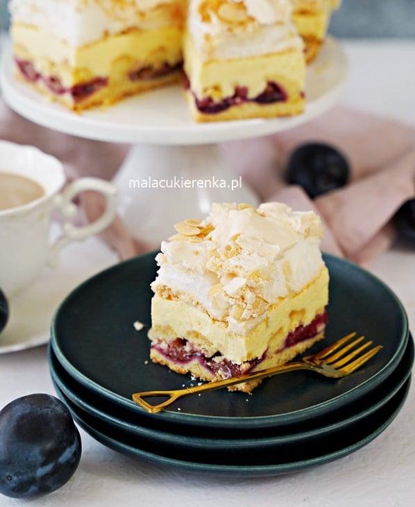 Ciasto śliwkowe z kremem i bezą